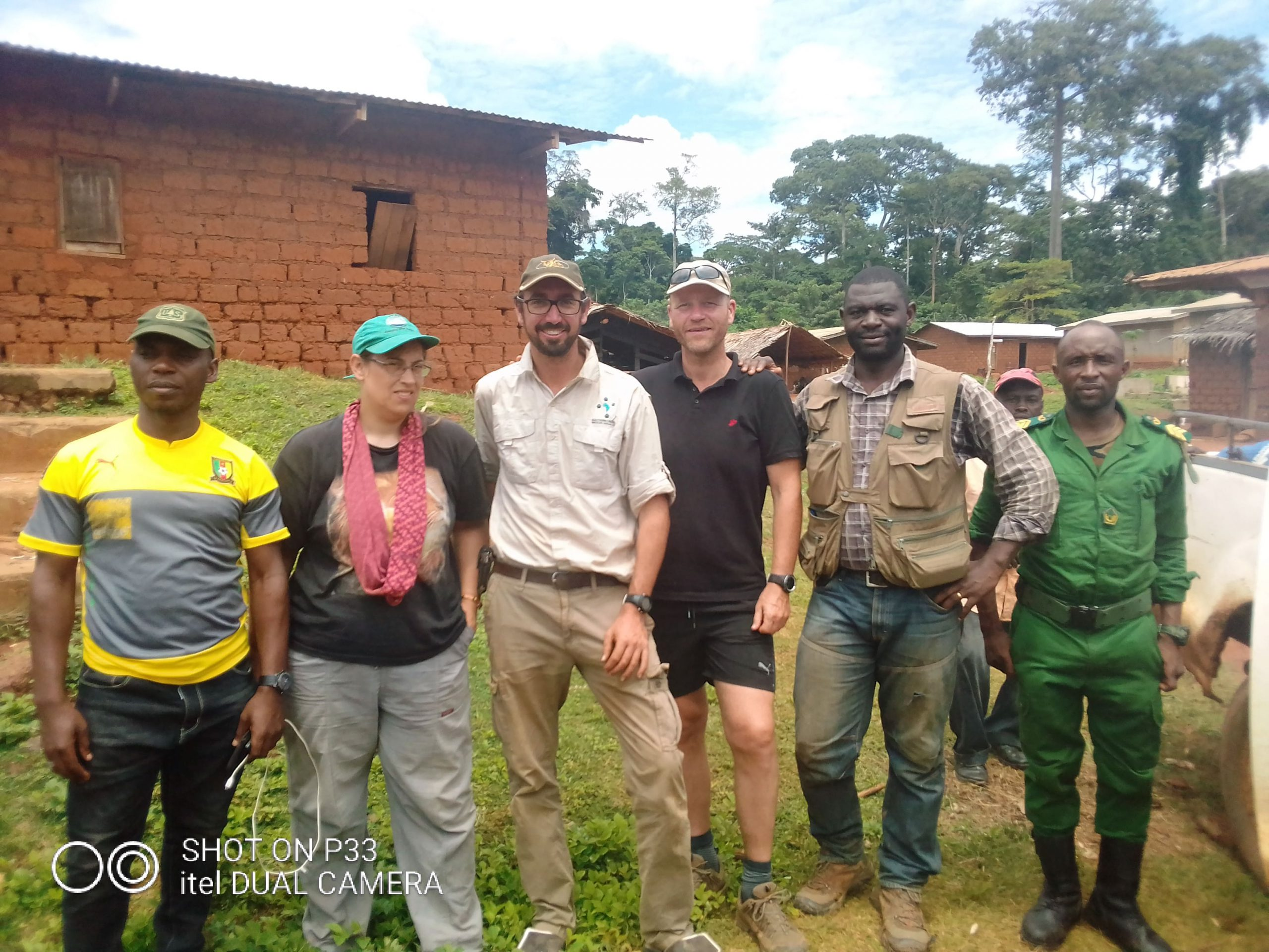 Team members commited for lion translocation in Mbam-kim, Cameroon. (c) Kamgang, 2019-min